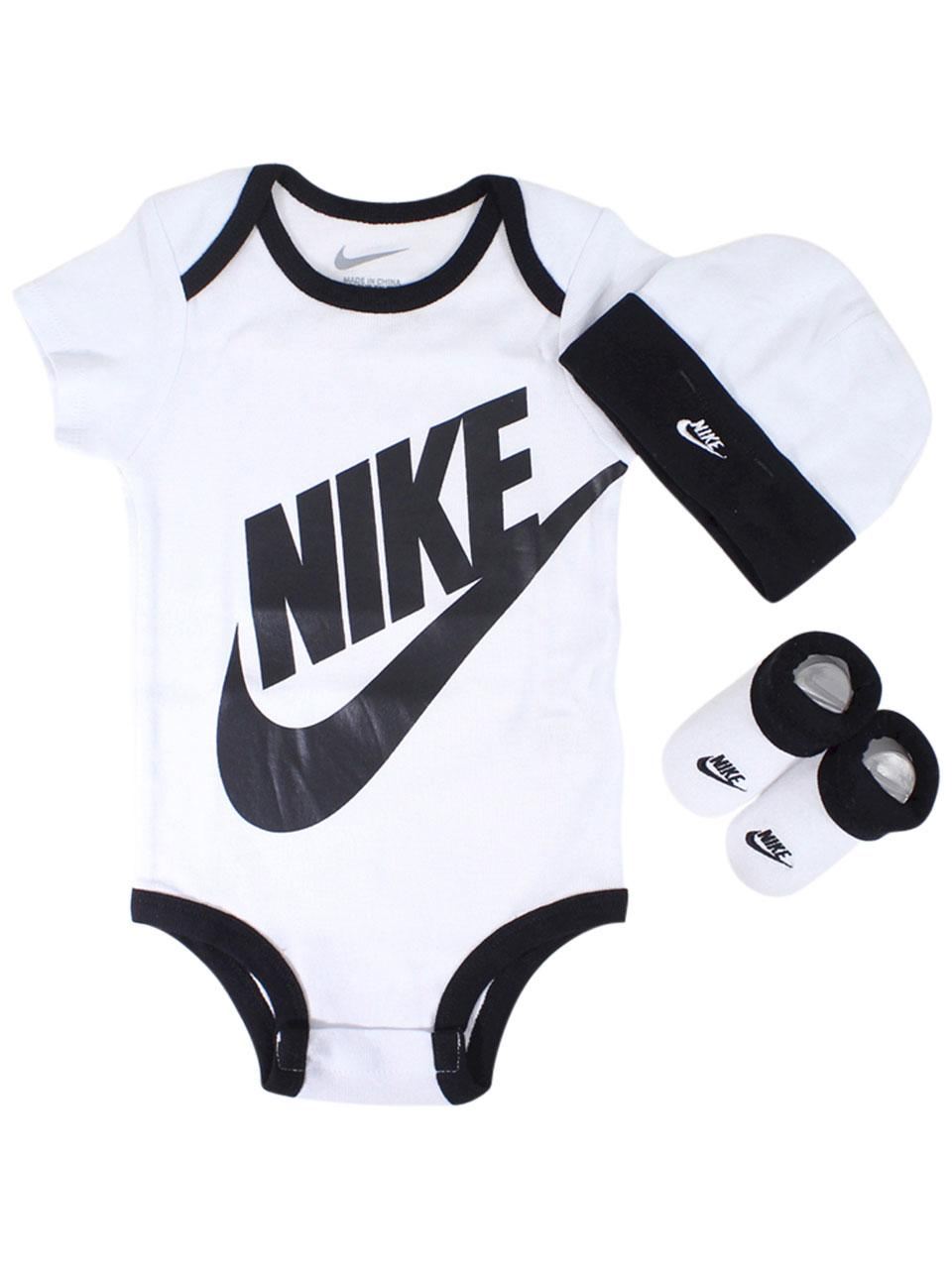 ad67ccff74834 Nike Infant Boy s Futura 3-Piece Set (Hat