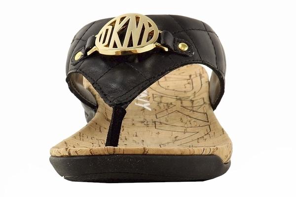Donna Karan DKNY Women/'s Bianca Quilted Buff Fashion Flip Flop Sandals Shoes