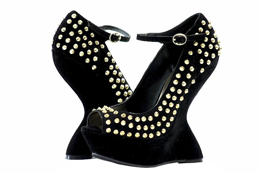 Image of Steve Madden Women's Gammblee Black Multi Studded Heels Shoes - none - 6