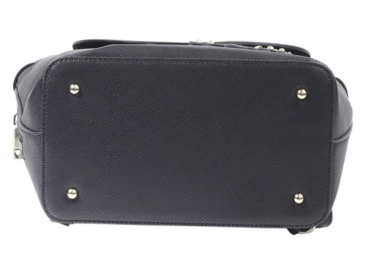 Guess-Women-039-s-Varsity-Pop-Pin-Up-Backpack-Bag thumbnail 9