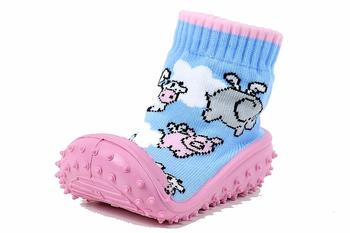 Skidders Girl's Skidproof Sneakers Pink Pigs Fly Shoes XY4161  UPC: