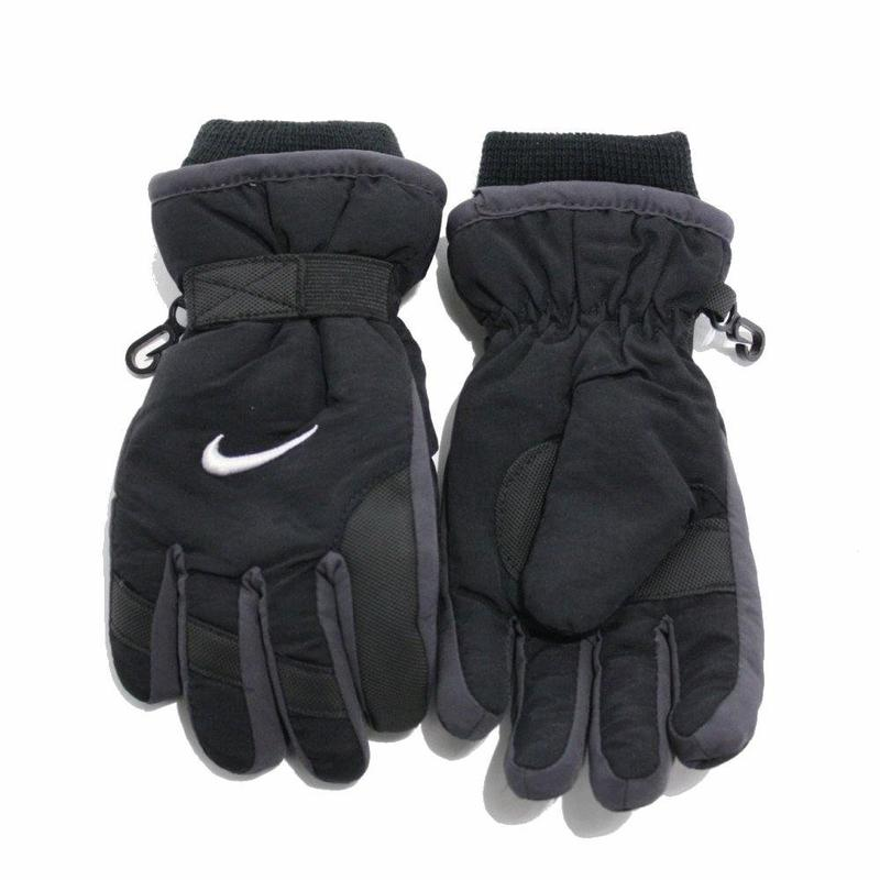 Nike Boy s Winter 2255 Snow Insulated Gloves