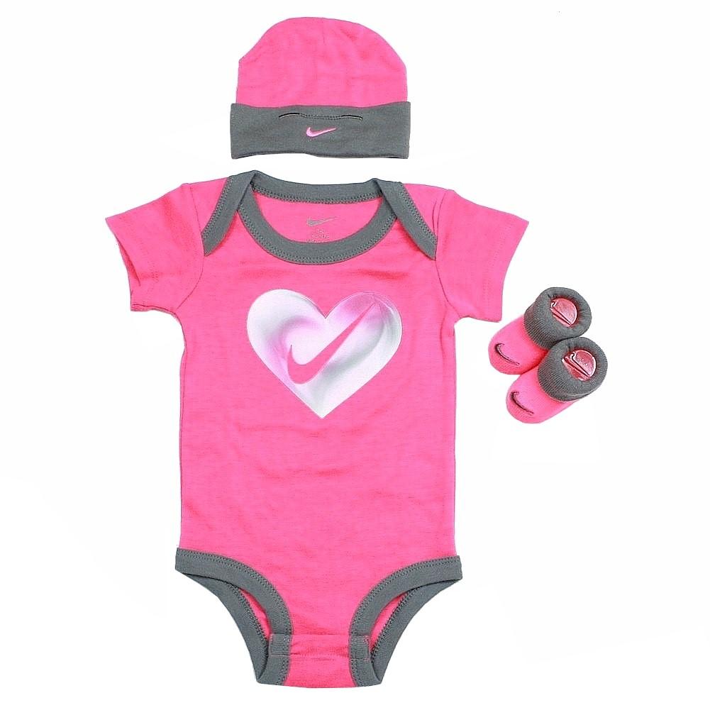 Nike Infant Girl s Heart Swoosh 3-Piece Set (Hat 8eb43ed9bd9