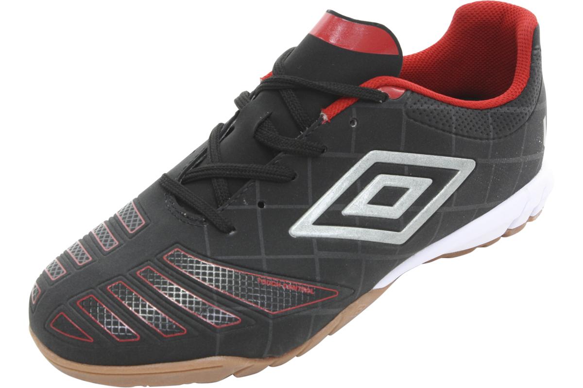 Image of Umbro Men's Accuro Club Indoor Soccer Sneakers Shoes - Black - 6 D(M) US